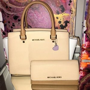 Michael Kors Light Beige two tone Purse & Wallet